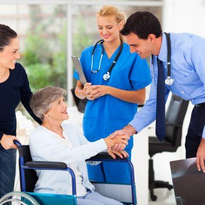 pochenu-patientu-rekomenduut-klinicu